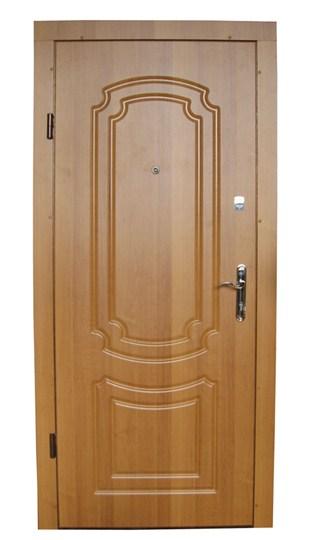 Производство металлических входных дверей в Украине с МДФ накладками